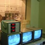 Spacecraft clean room through monitoring window