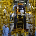 Hustle and bustle in the integration facility: spacecraft and upper stage are being worked on in parallel by several teams (credits: Eurockot)